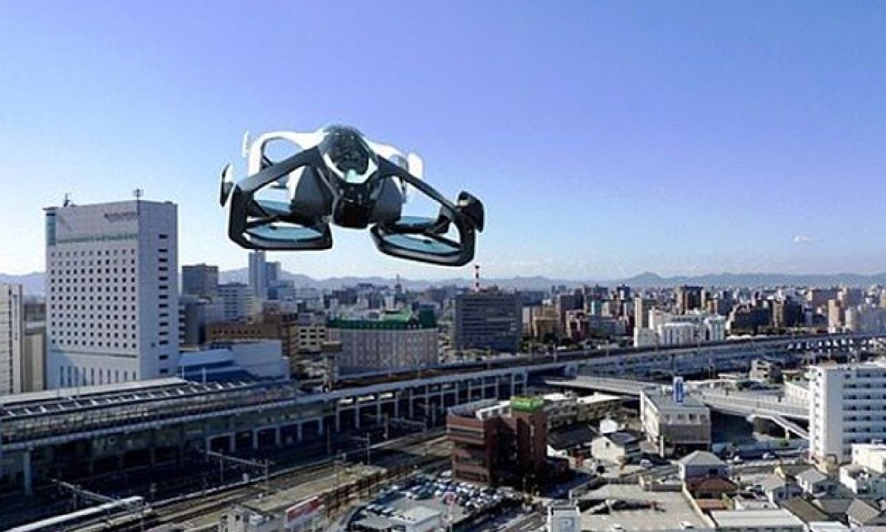 'Dünyanın genişlik küçük uçan arabası' insanlı sınav uçuşlarına başladı