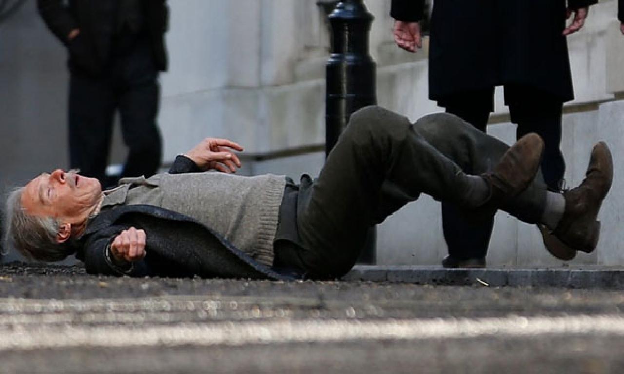Benedict Cumberbatch görülmemiş filminin setinde