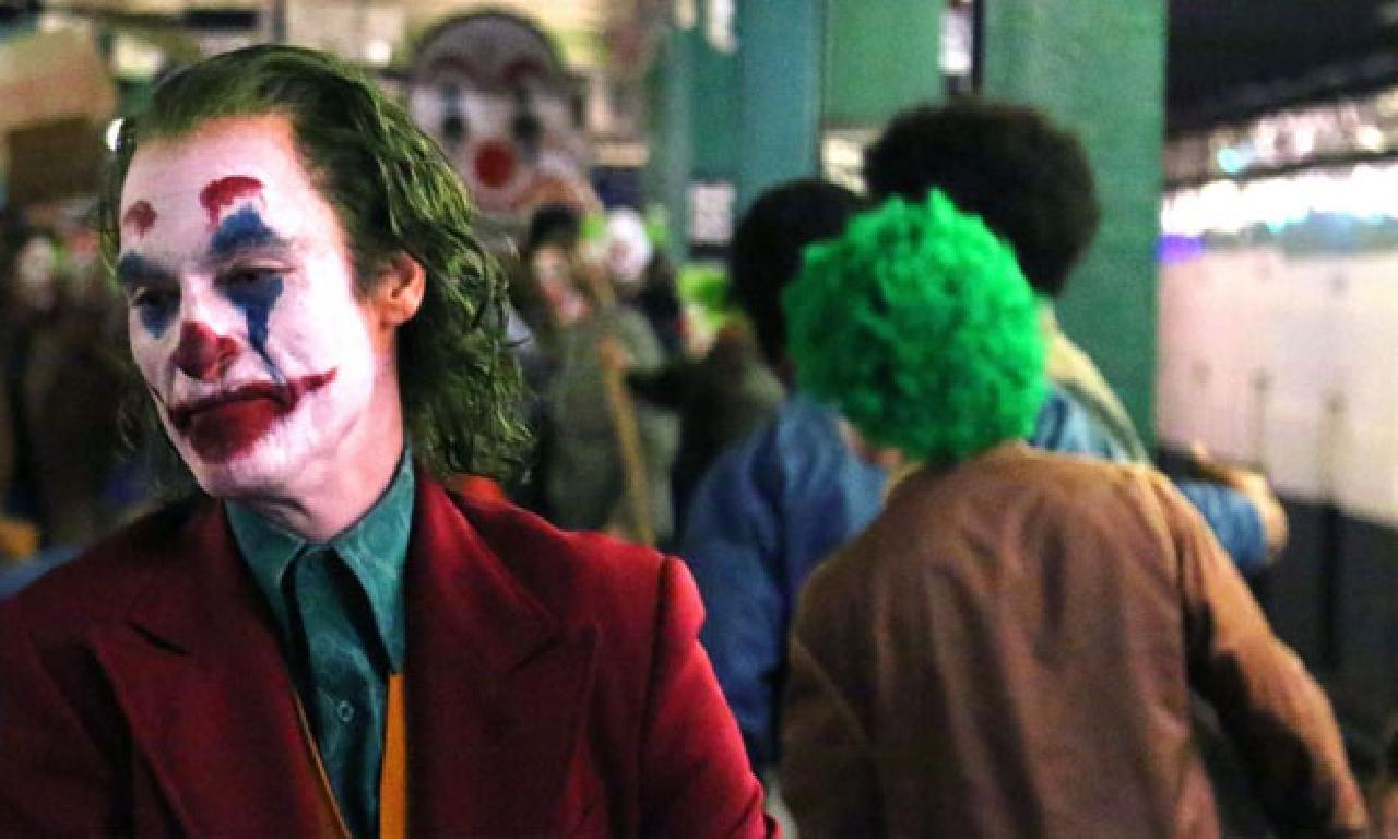 'Batman katliamı' ailelerinden Joker filmine yersiz
