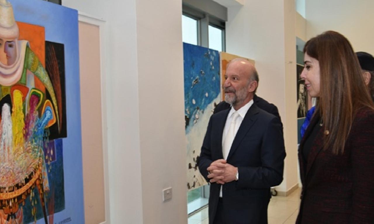 Kazak Sanatçıların varlıkların segisi YDÜ'de açıldı