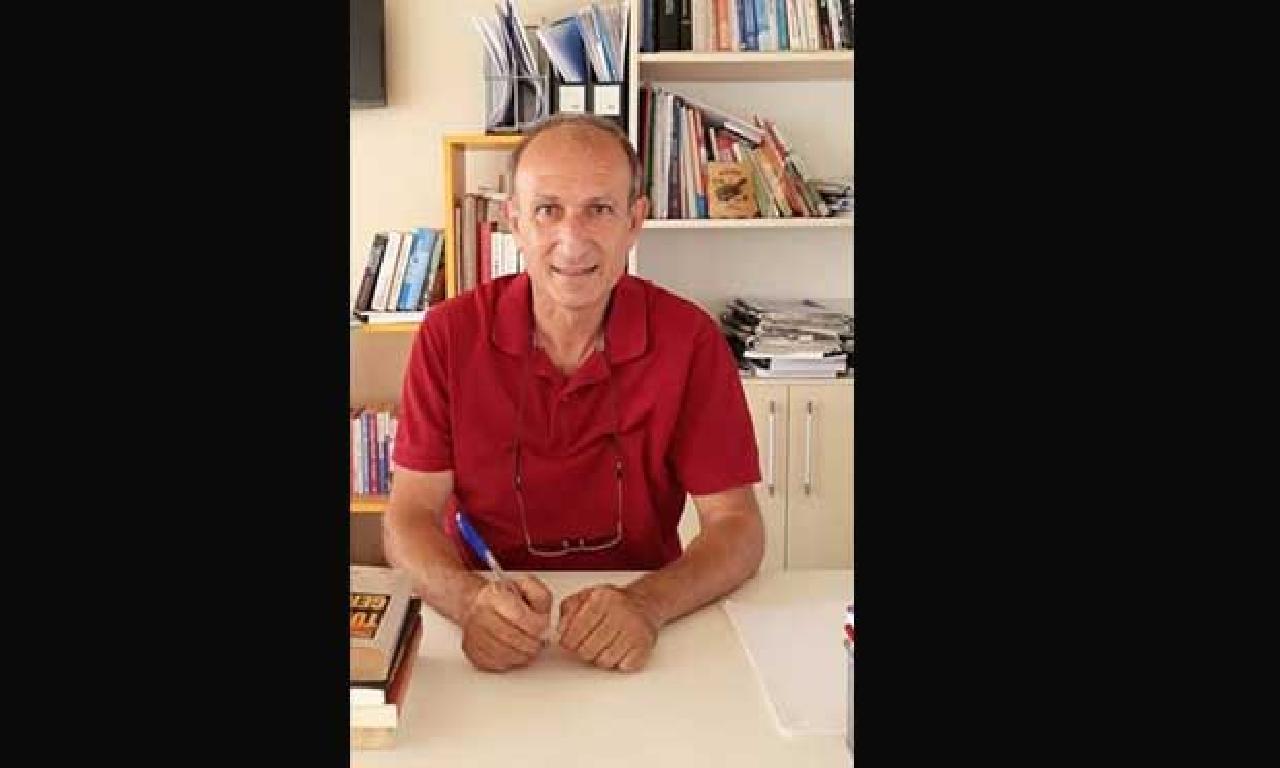 'Ortadoğu Denkleminin Gönüllü Sabiti Kıbrıs' adlı basıcı yayımlandı