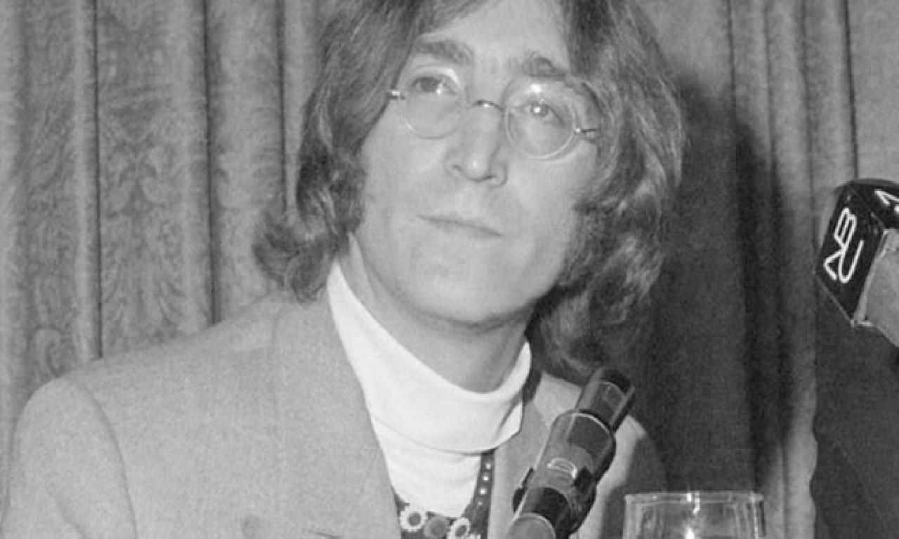 John Lennon'ın güneş gözlükleri açık artırmada