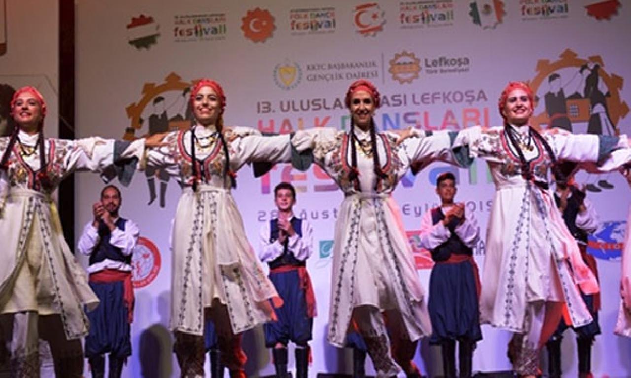 Uluslararası Lefkoşa Halk Dansları Festivali bozma edildi
