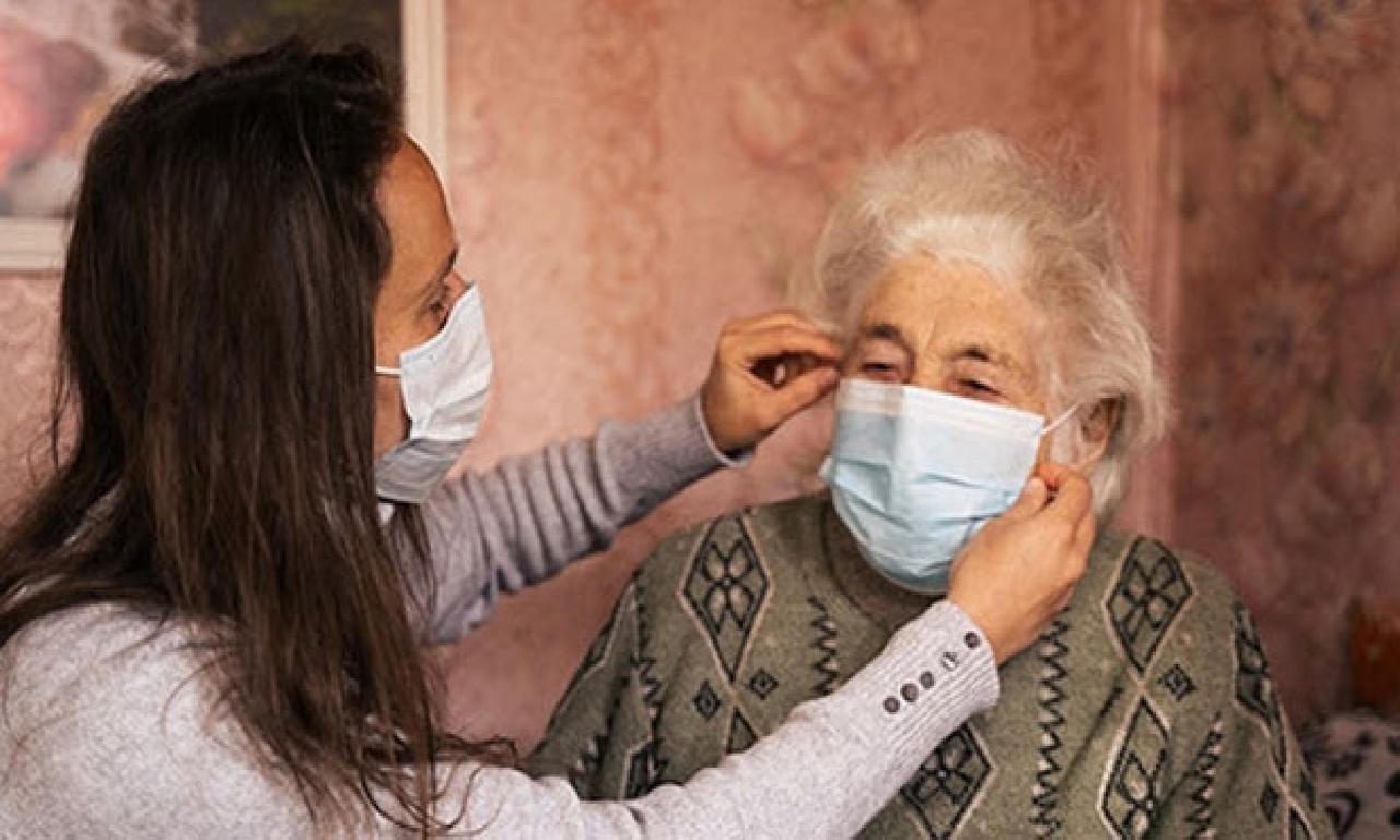 Prof. Dr. Işık: Koronavirüs yaşlılarda ateş değil solunumla nefsi müdafaa malûm ediyor