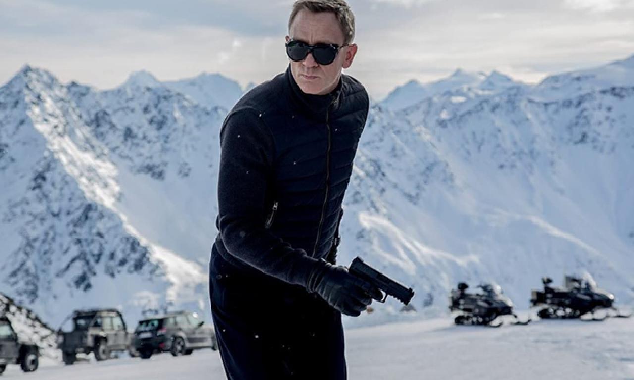 James Bond kısa koleksiyonu çalındı