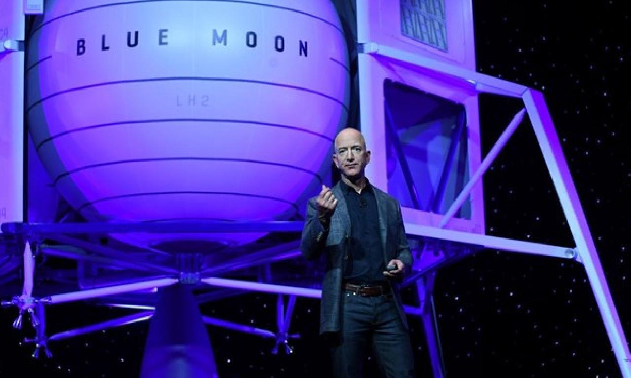 Jeff Bezos, servetine 5 1000000000 abd henüz ekledi