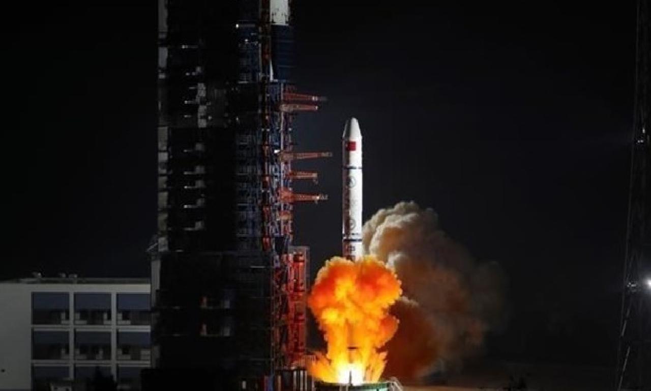 Çin yörüngeye çatal peyk henüz gönderdi