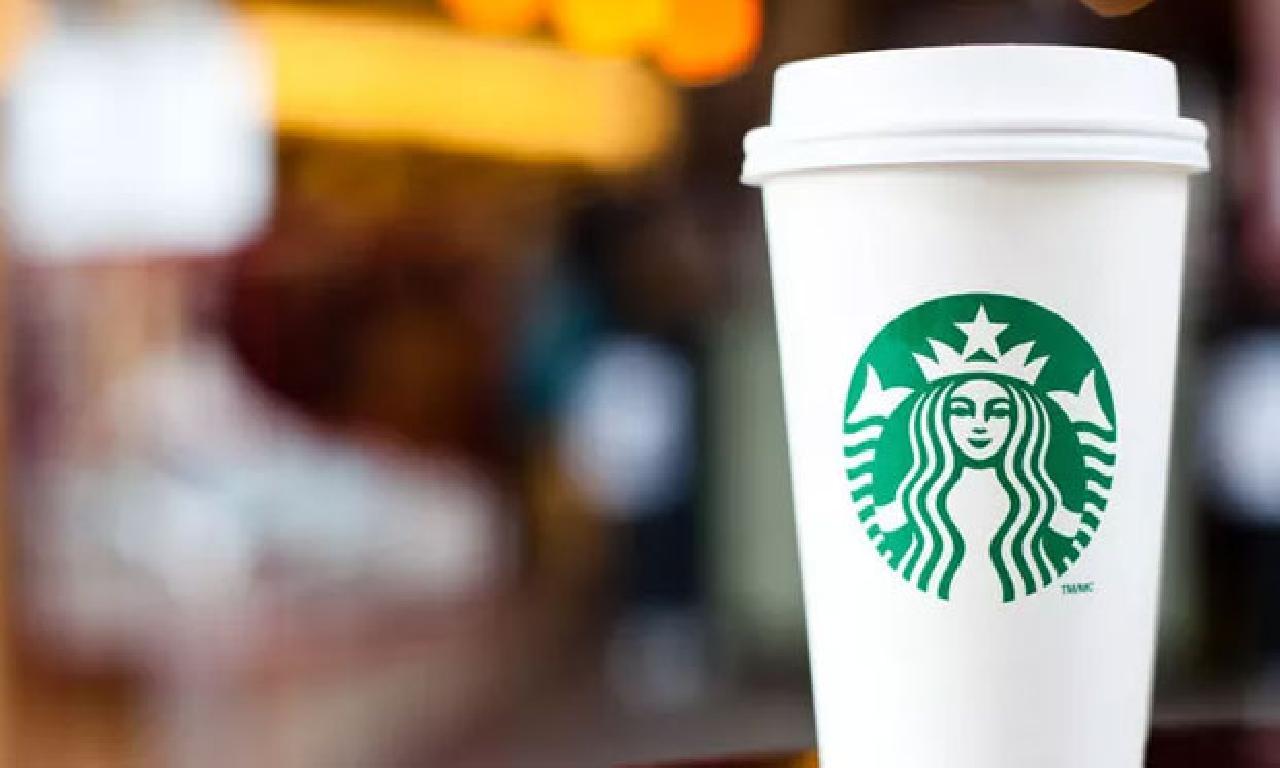 Covid-19 yüzünden dokunca edeceğini açıklayan Starbucks 400 şubesini kapatıyor