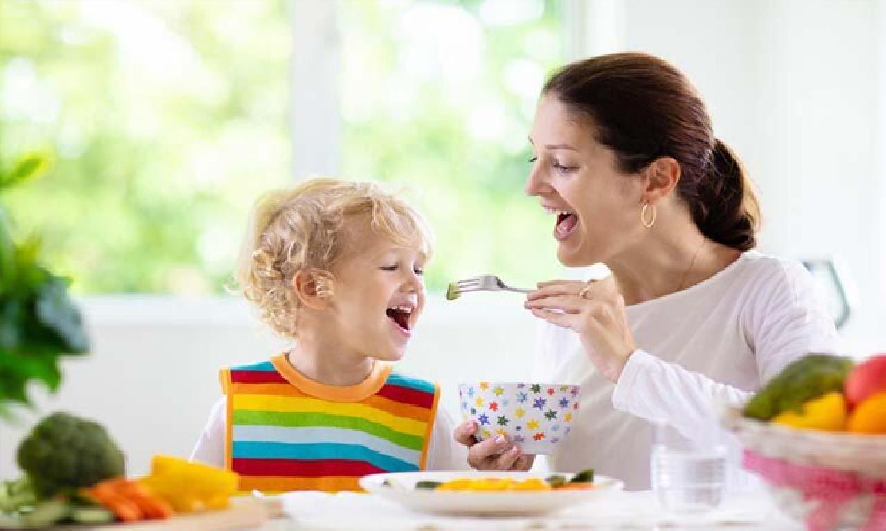 İştahsız çocuklara nasıl aşındırmak yedirilmeli?