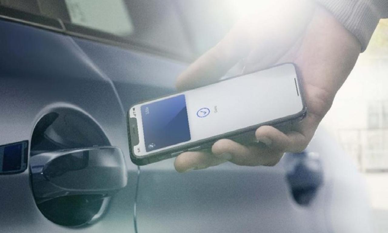 Iphone ilen kapıları açılan dahi çalışan altu otomobil!