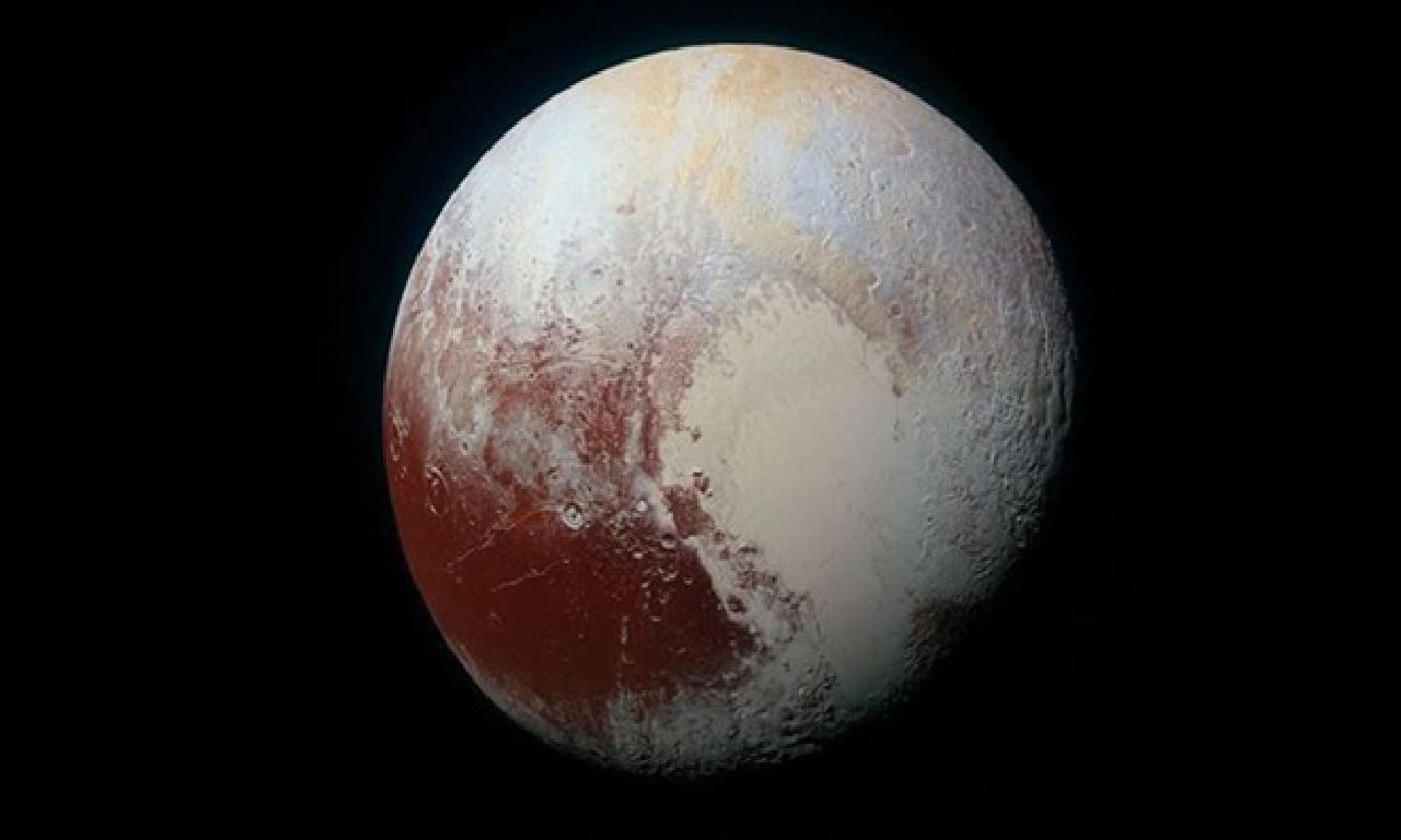 Buzla kaplı Plüton'un altında umman gizleniyor olur