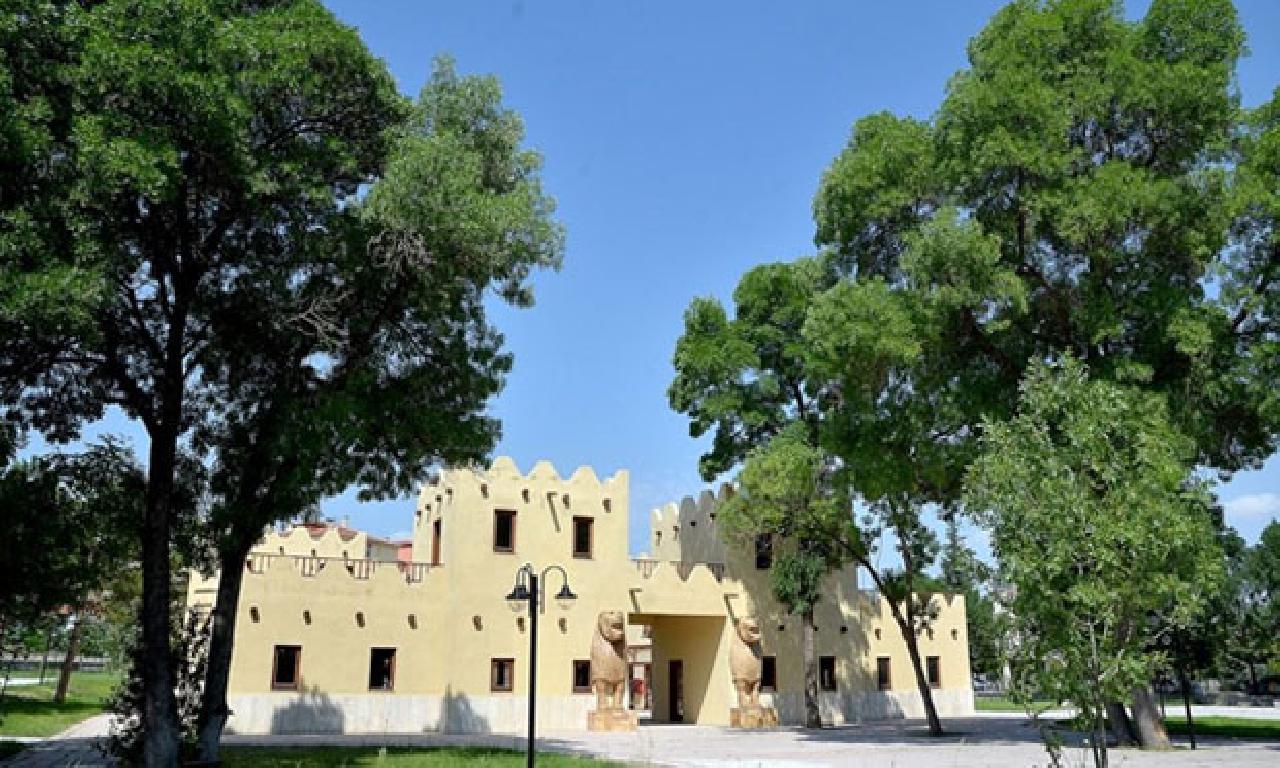 3500 yıllık Hitit yaşamı, Hattuşa'da kurulan köyle gene canlandırıldı