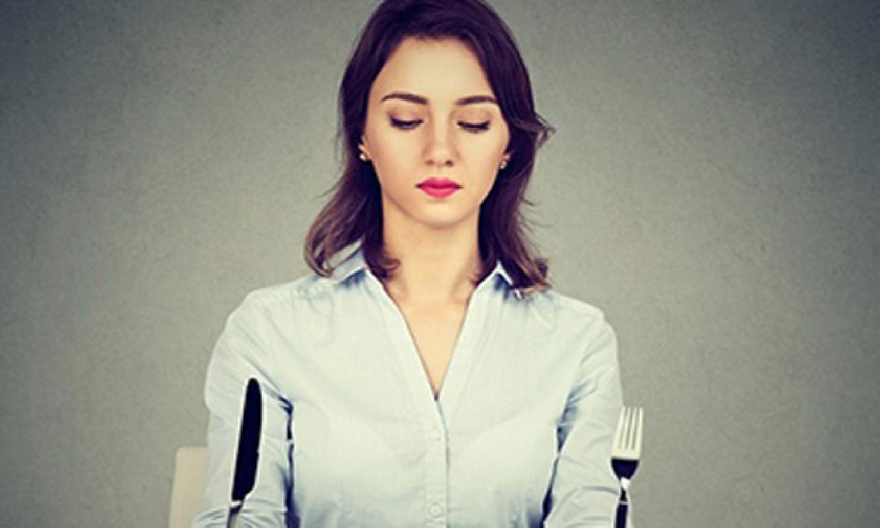 1-Yeme Bozuklukları nedir?  Psikiyatrik tek hastalık mıdır?