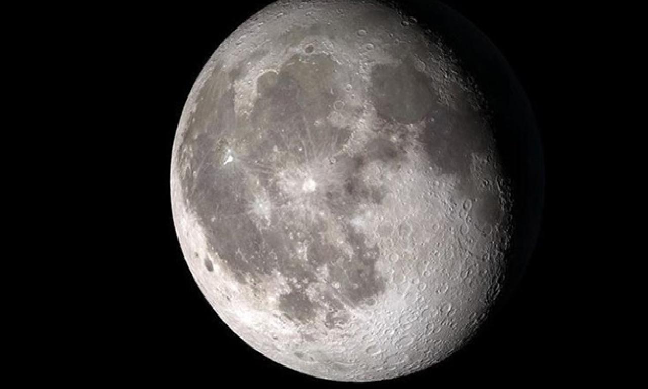 25 dolara Ay'da emlâk satışı (Yasalar hangi diyor?)