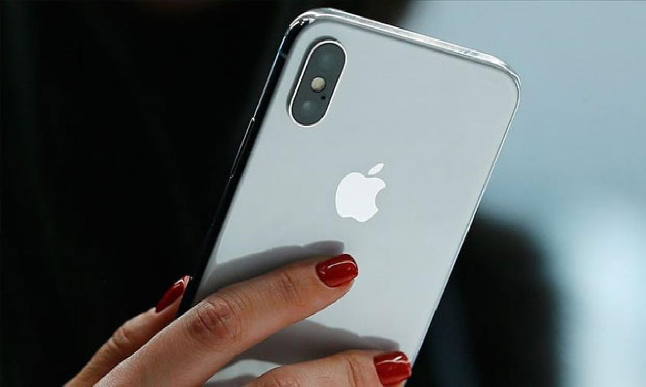 Apple, akıllı haberleşme servisi nezaretçisi satışında Samsung'u geçti