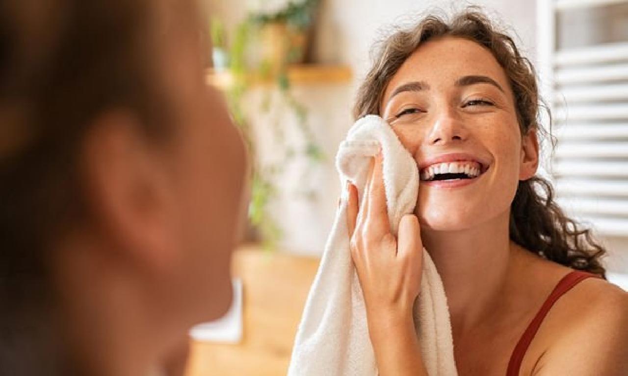 Yüzünüzü zayıflatmak için havlı kullanmayın