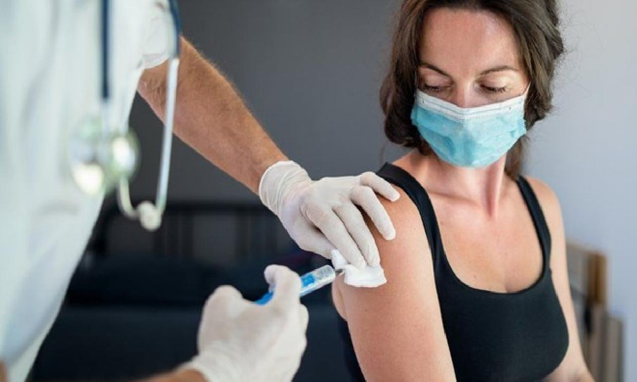 Corona virüsün mutasyonlarına karşı üçüncü düze aşının memelilerden denemelerine başlandı