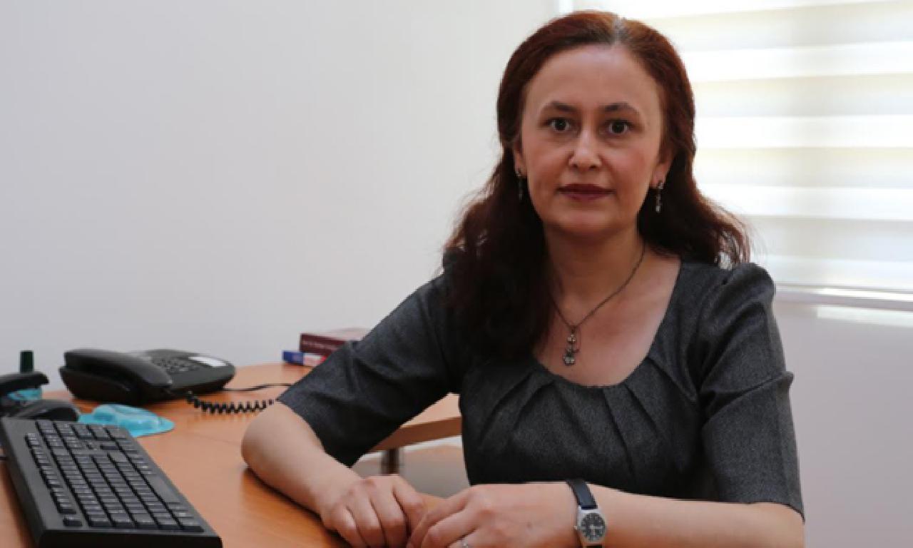 LAÜ Öğretim Üyesi Yenal, Covid-19 pandemisinde yüklü dönüşmek konusuna uyanıklık çekti