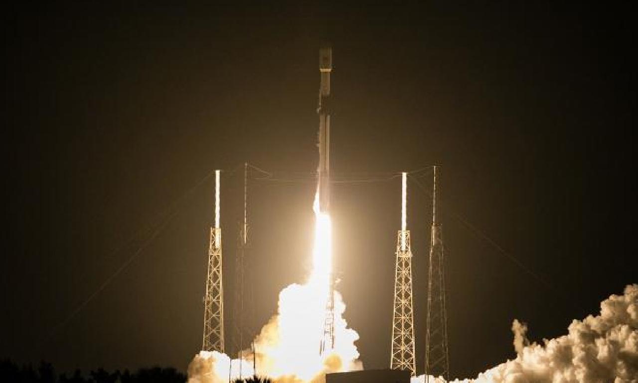 SpaceX'in çıplak astonotları örf çıkmaya hazırlanıyor